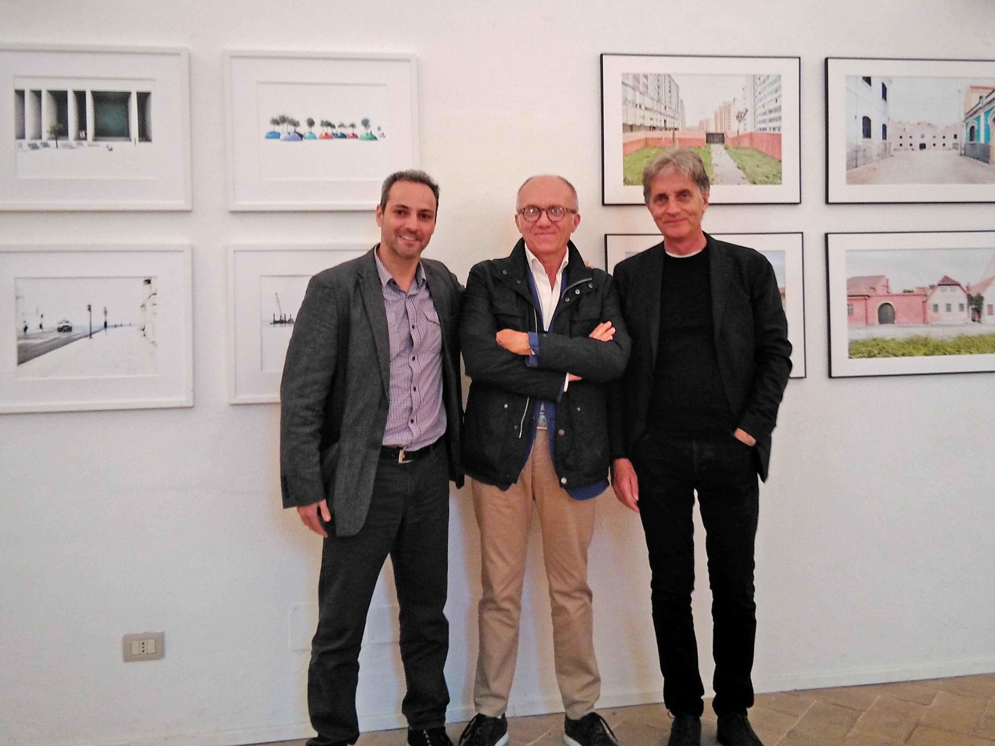 Foto di gruppo, inaugurazione